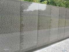 Vietnam_memorial_03